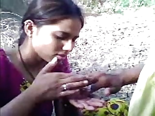 desi Village girl with lover Outdoor amateur hairy indian